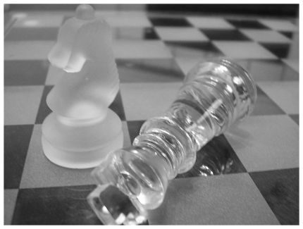 Schachfiguren aus Glas